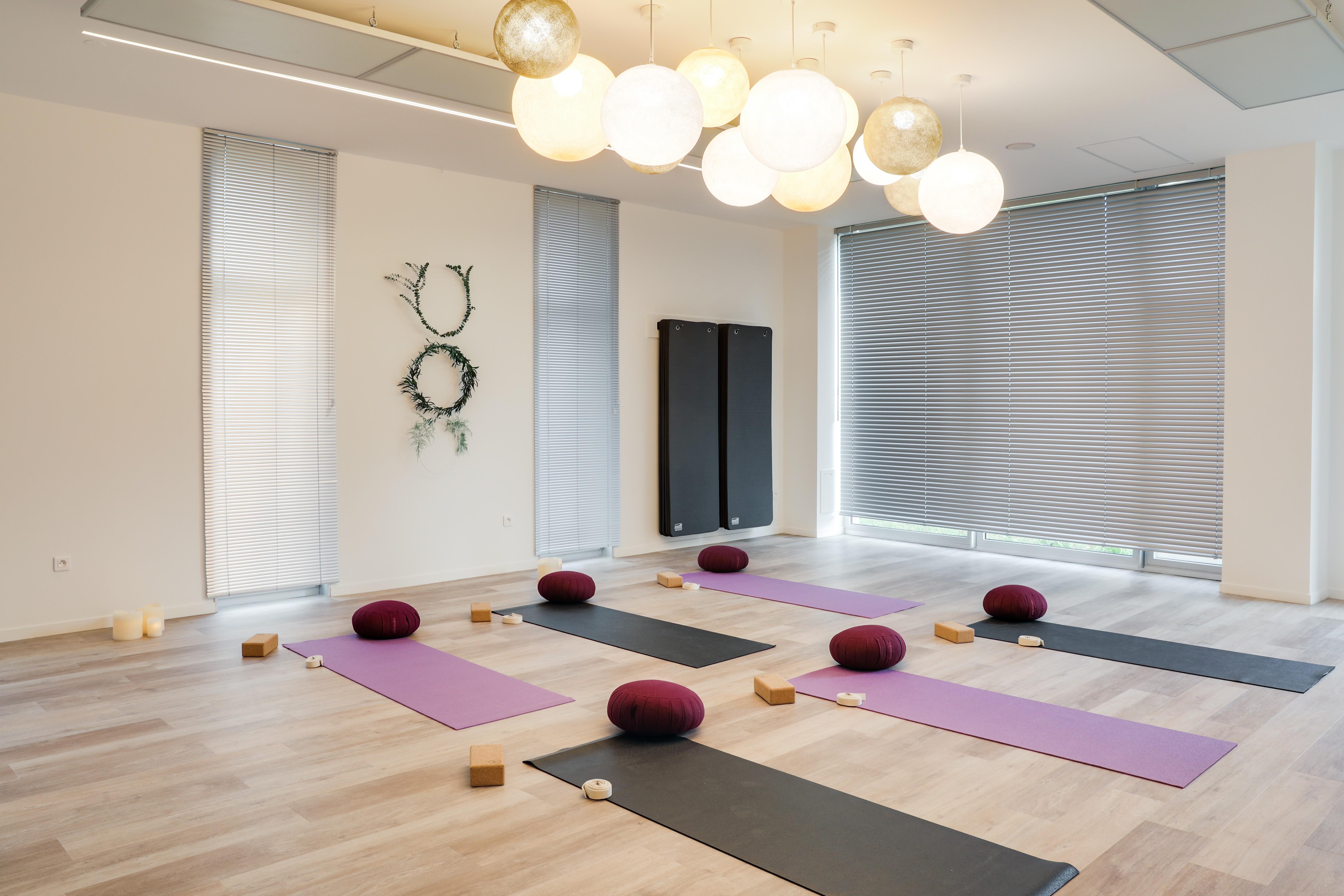 Aménager Une Salle De Yoga holi - yoga, pratiques douces, cantine bio, salle de