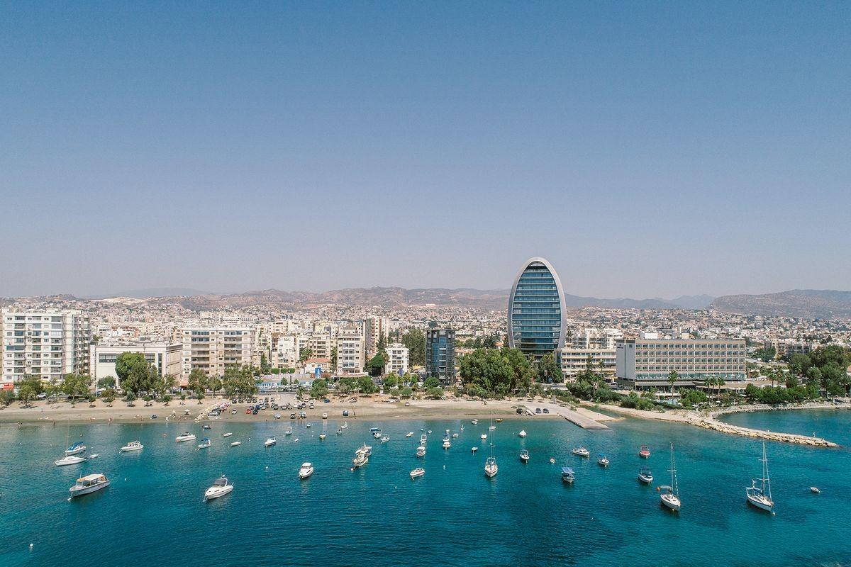 Những ai tìm cách mua 'hộ chiếu vàng' của Cyprus, và vì sao?