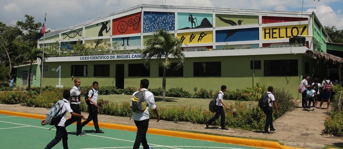 Liceo Científico Miguel Canela Lázaro